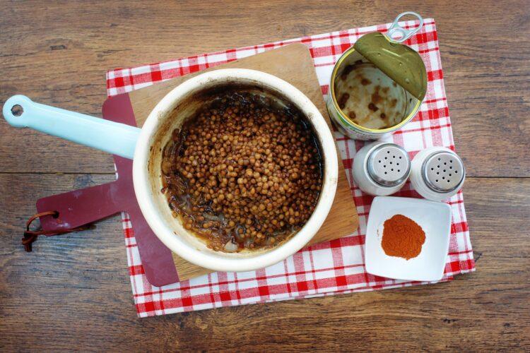 Ryż z soczewicą i karmelizowaną cebulką - Krok 3