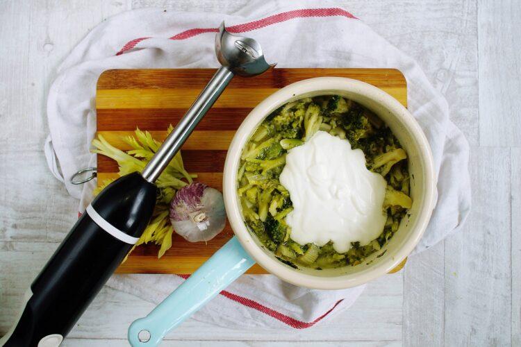 Krem z brokułów z pieczoną ciecierzycą - Krok 3