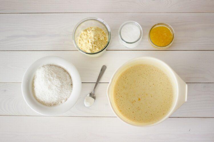 Ciasto z kukurydzy z rodzynkami - Krok 3