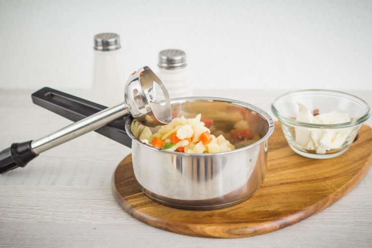 Pieczony pstrąg z pomidorkami na purée kalafiorowym - Krok 1