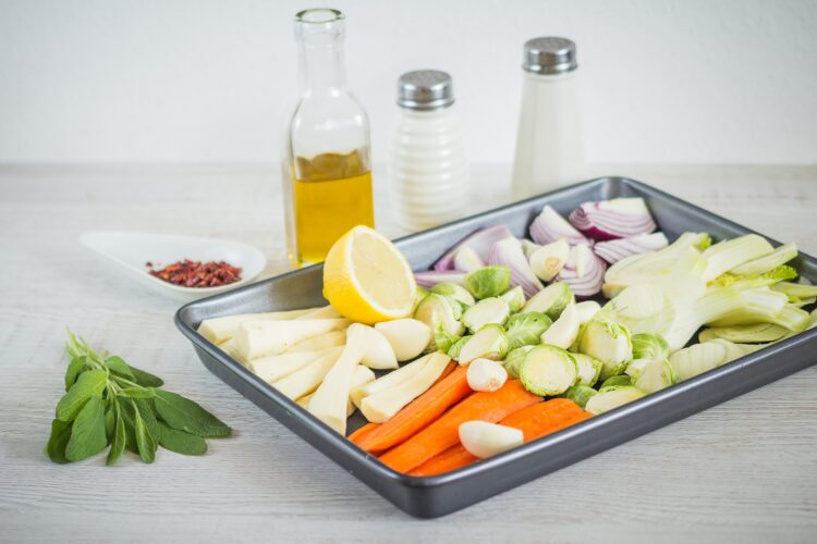 Orzo z pieczonymi zimowymi warzywami - Krok 1