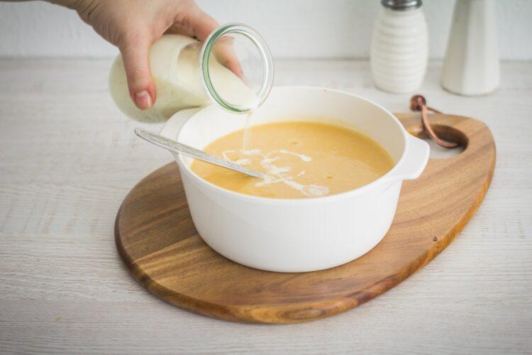 Krem z kalafiora z gorgonzolą i orzechami laskowymi - Krok 5