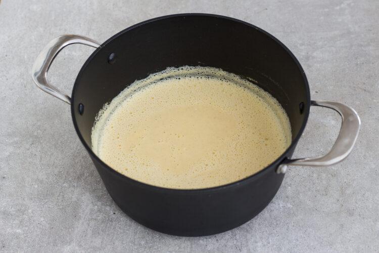 Kalafiorowa zupa krem z pieczonym czosnkiem - Krok 4