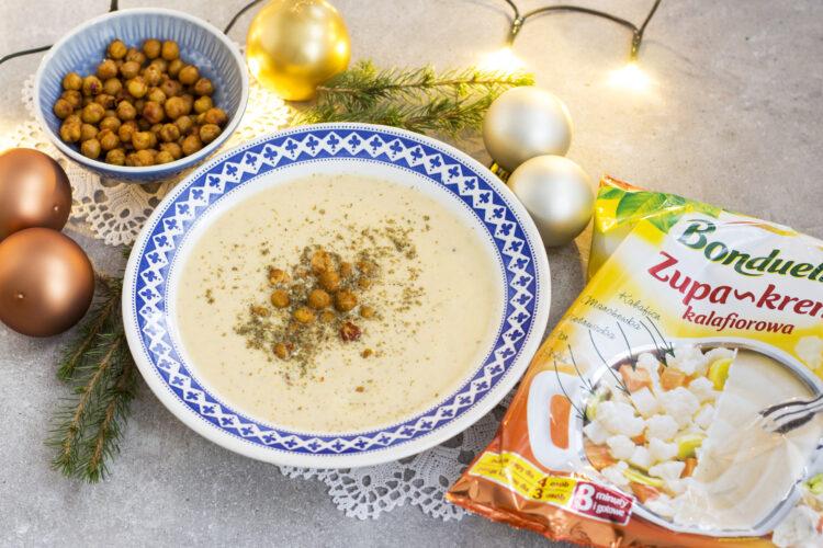 Kalafiorowa zupa krem z pieczoną ciecierzycą