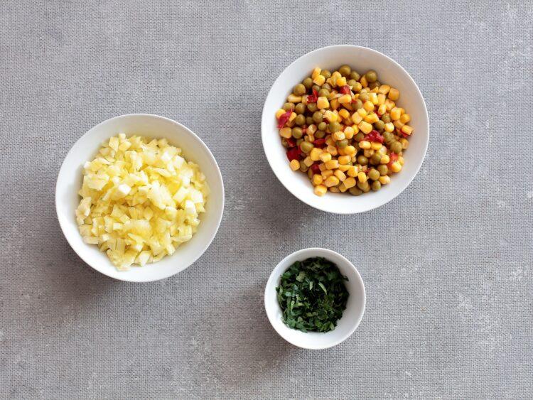 Cukinie faszerowane kaszą jaglaną i warzywami - Krok 3