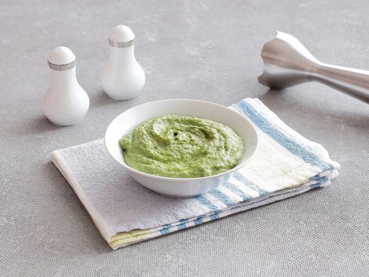 Pasta z zielonego groszku, jajek i szpinaku - Krok 4