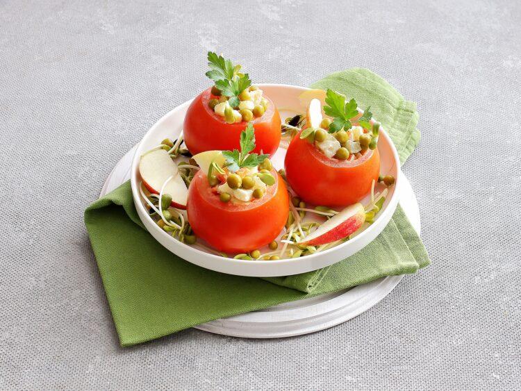 Pomidory faszerowane sałatką jarzynową - Krok 5