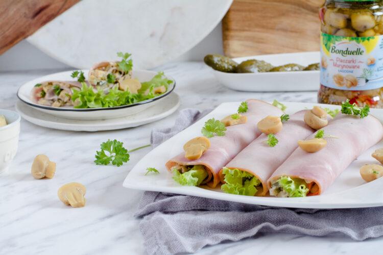 Roladki z szynki z sosem tatarskim i marynowanymi pieczarkami
