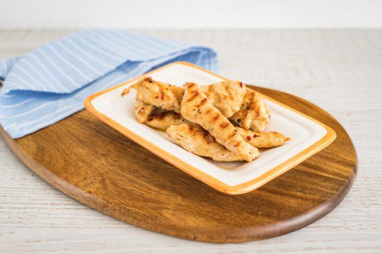 Spring rolls z kurczakiem kukurydzą i rzodkiewką - Krok 2