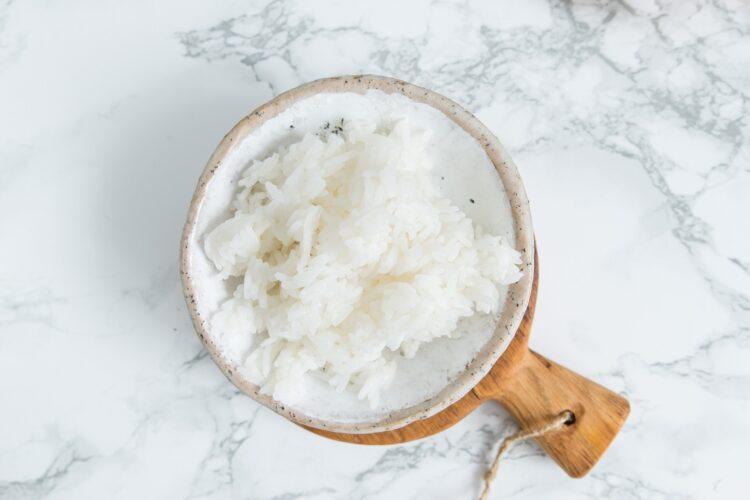 Sałatka ryżowa z fasolą i papryką - Krok 1