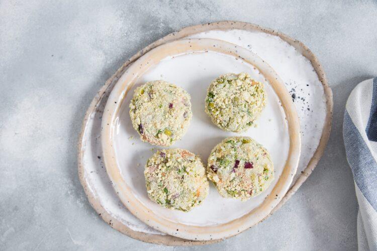 Kotleciki ryżowe z łososiem i groszkiem - Krok 3