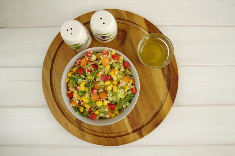 Piknikowa sałatka z kaszą jaglaną i warzywami - Krok 4