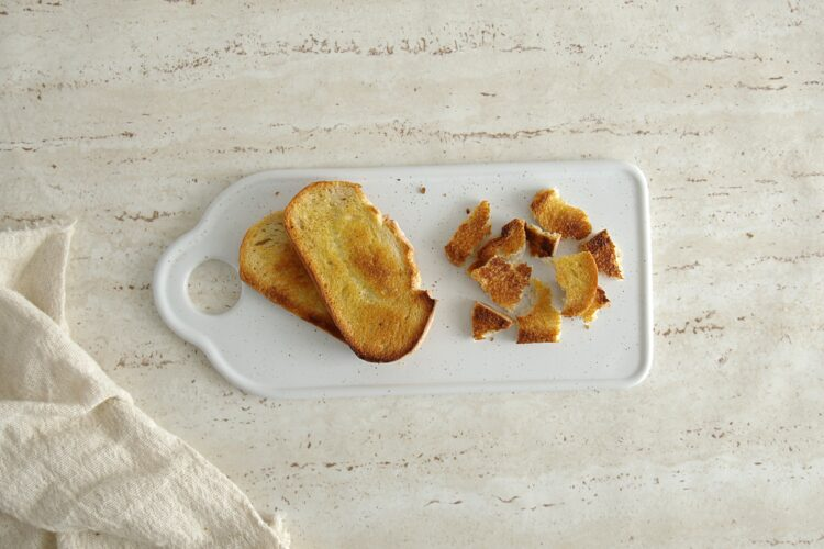 Letnia panzanella z pomidorami, cukinią i kukurydzą - Krok 2