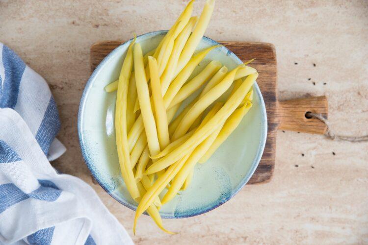 Wrapy z sałaty z indykiem i fasolką szparagową - Krok 2