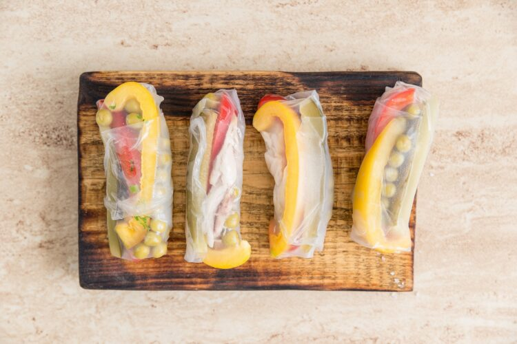Spring rollsy z makrelą i groszkiem - Krok 4