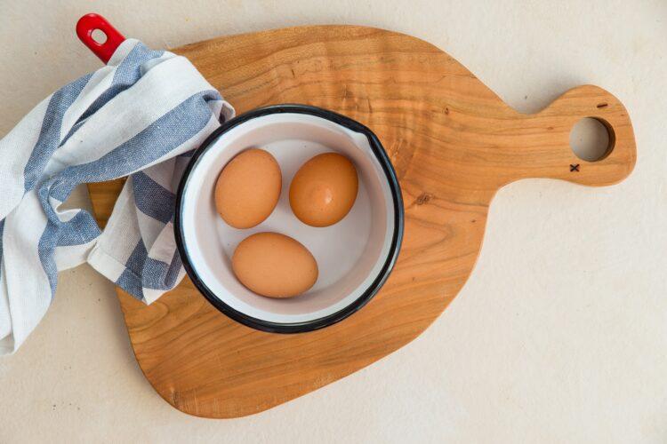 Sałatka pieczarkowa z groszkiem i serem - Krok 1