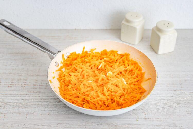 Pasztet curry z soczewicy i marchewki - Krok 1