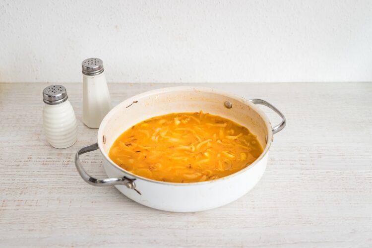Kluski śląskie w sosie cebulowym z soczewicą - Krok 2
