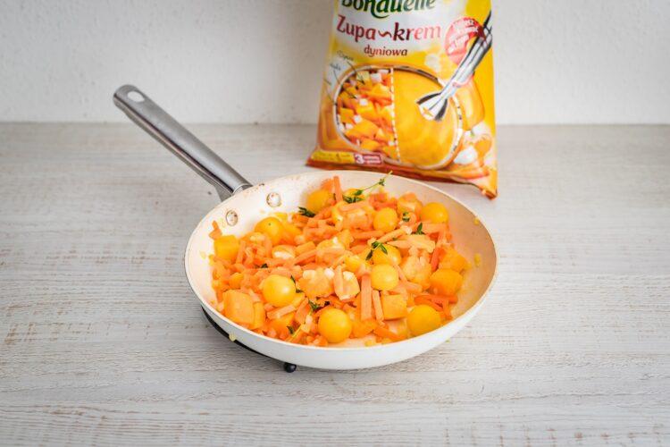 Placek po węgiersku z sosem pomidorowo-dyniowym - Krok 3