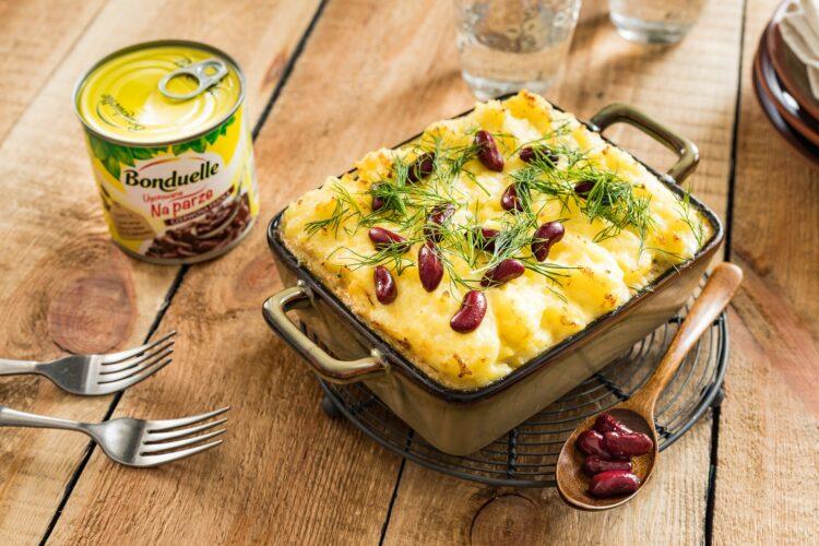 Zapiekanka z kurczakiem i czerwoną fasolą pod purée ziemniaczanym