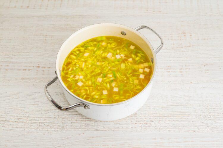 Zupa chrzanowa z buraczkami - Krok 2