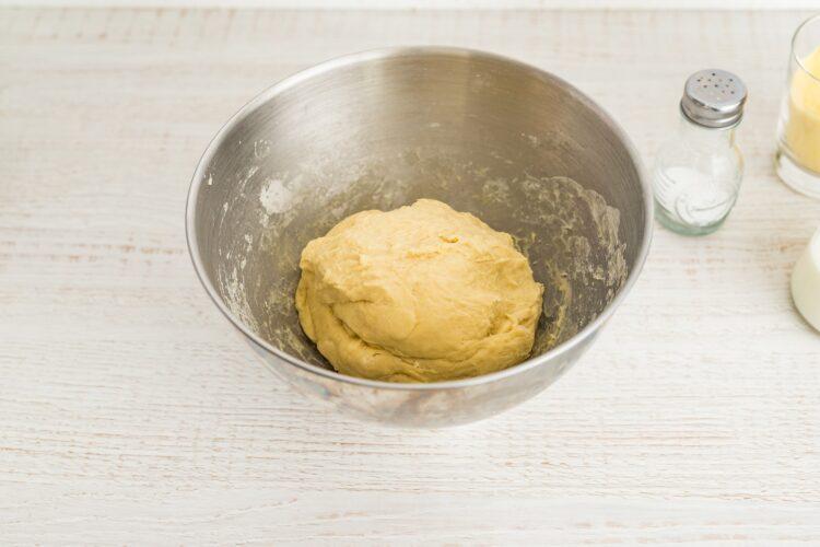Bułeczki kukurydziane z kukurydzą i pesto - Krok 2