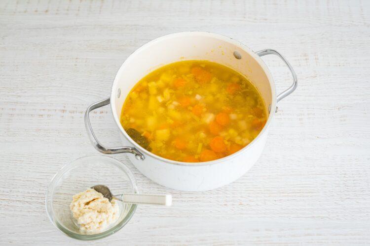 Zupa chrzanowa z buraczkami - Krok 3