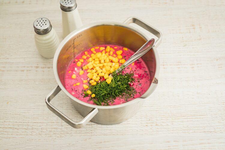 Chłodnik z botwinki z chrzanem i kukurydzą - Krok 4