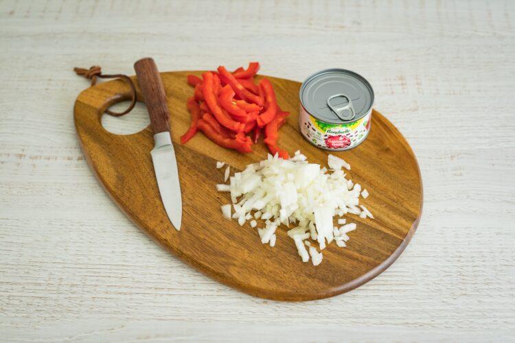 Sałatka bawarska z papryką i czerwoną fasolą - Krok 4