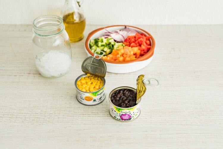 Tęczowa sałatka z makaronem ryżowym - Krok 5