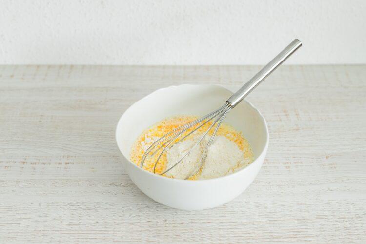 Naleśniki z serem, miętą i groszkiem - Krok 1