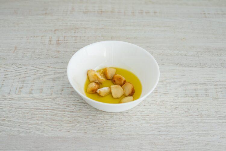 Hummus z pieczonym czosnkiem i ostrą papryką - Krok 3
