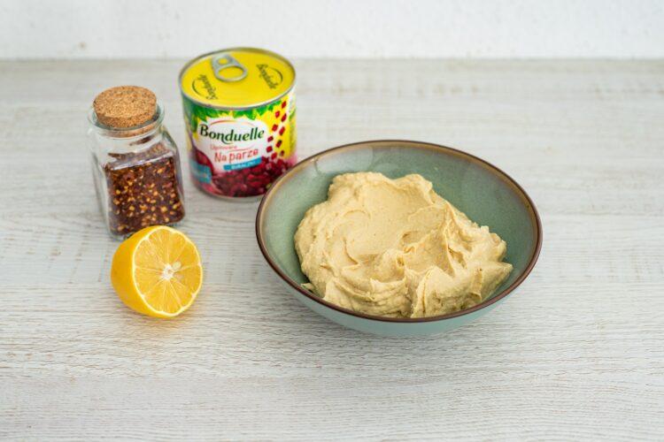 Hummus z pieczonym czosnkiem i ostrą papryką - Krok 4