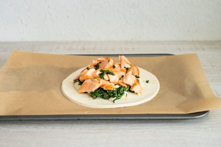 Tarta ze szpinakiem i łososiem - Krok 5