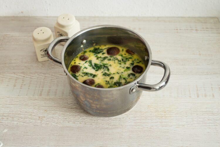 Zupa rybna z grzybami i szpinakiem - Krok 5