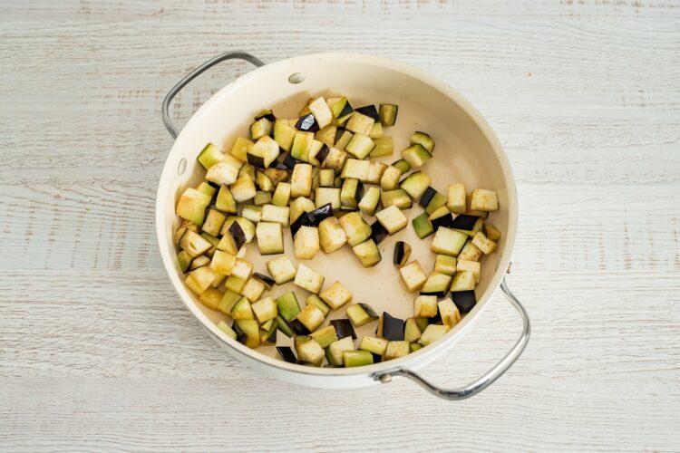 Caponata z makaronem z cieciorki i kukurydzy - Krok 3