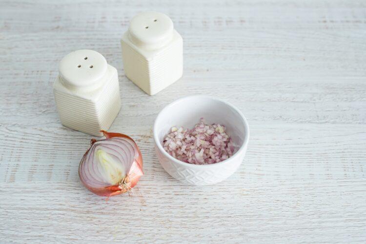 Sałatka brokułowa z serem i makaronem z groszku i cukinii z dressingiem koperkowym - Krok 4