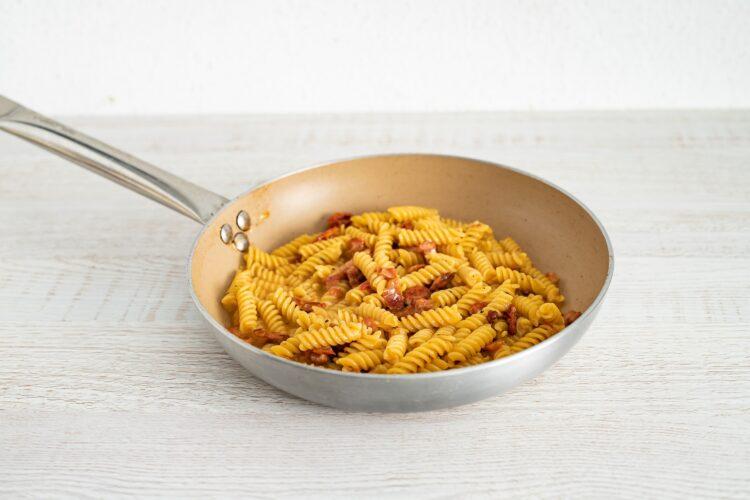 Carbonara z suszonymi pomidorami - Krok 5