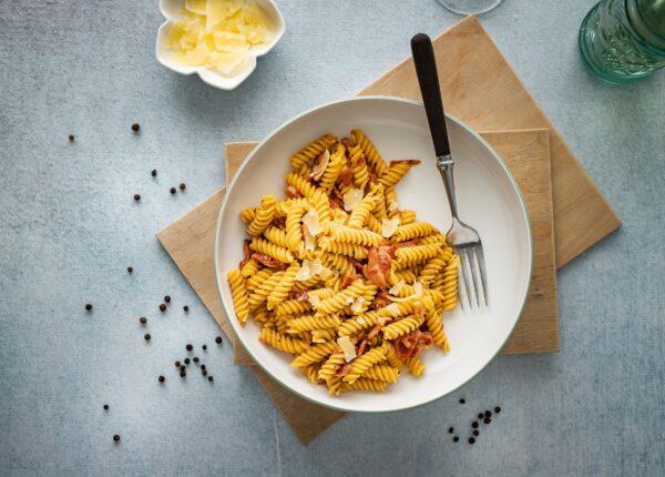 Carbonara z suszonymi pomidorami