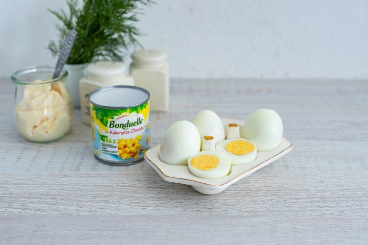 Kolorowe faszerowane jajka - Krok 1