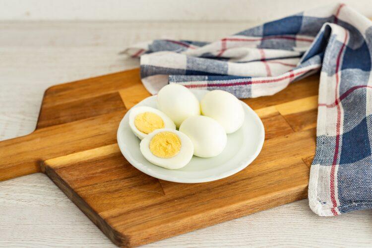 Sałatka jarzynowa z domowym majonezem z całego jajka - Krok 2