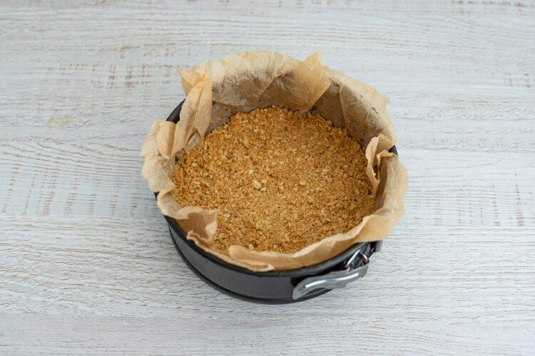 Waniliowy sernik na zimno z karmelizowaną kukurydzą i migdałami - Krok 3