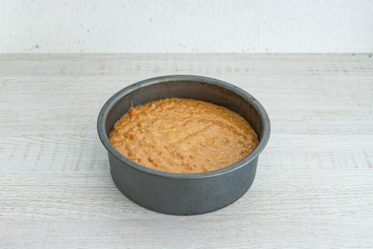 Ciasto marchewkowo-kukurydziane z białą czekoladą - Krok 4