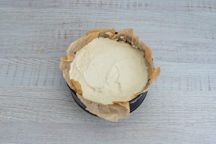 Waniliowy sernik na zimno z karmelizowaną kukurydzą i migdałami - Krok 5