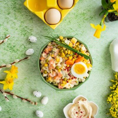Sałatka jarzynowa z domowym majonezem z całego jajka