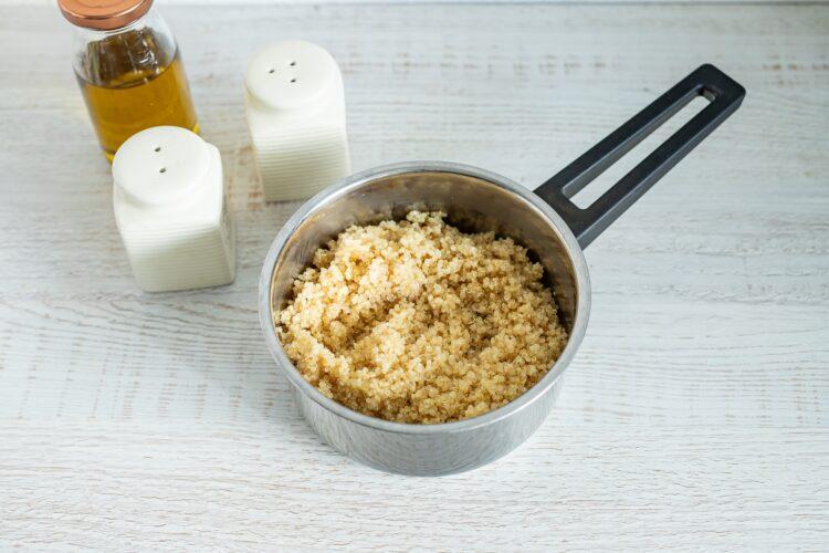 Meksykańska sałatka z quinoa z pomidorowym dressingiem - Krok 1