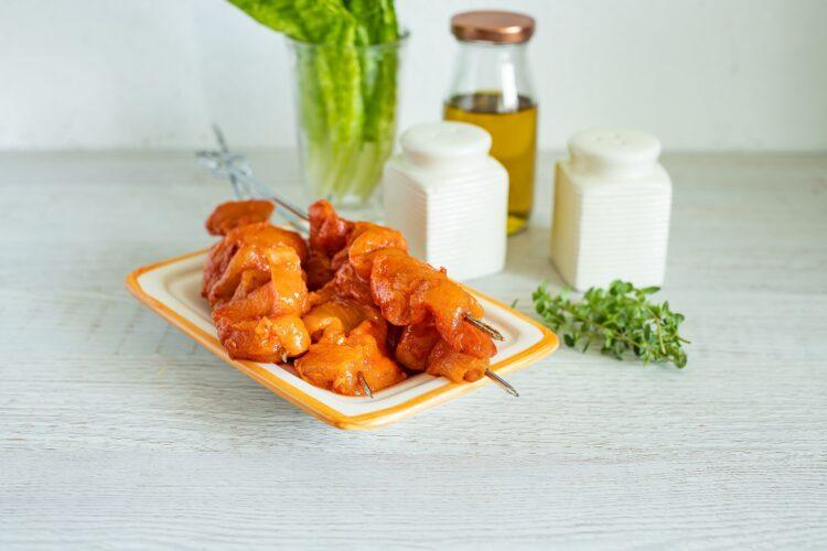 Szaszłyki z kurczaka z sałatką z kukurydzy i fasoli - Krok 2