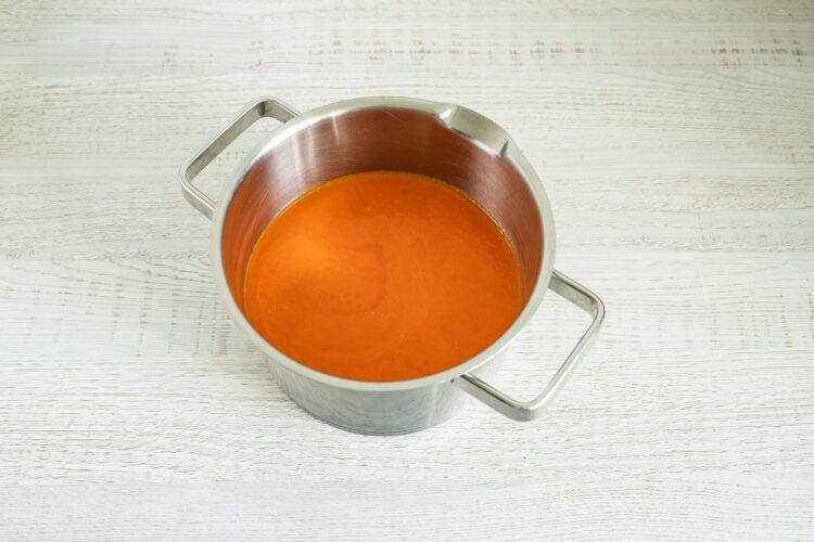Meksykańska zupa pomidorowa z tortillą i kukurydzą - Krok 2