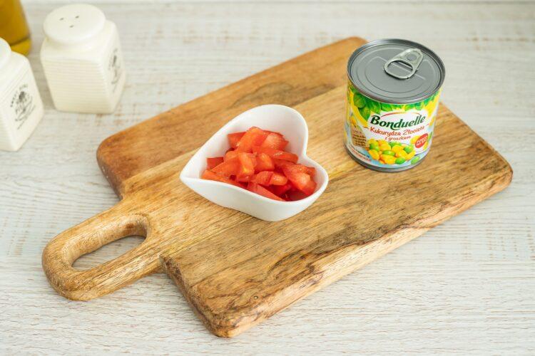 Minipizze z bakłażana z pieczarkami i kukurydzą z groszkiem - Krok 3