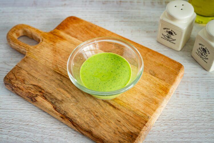 Sałatka makaronowa z grillowanymi warzywami, fetą i bazyliowym dressingiem - Krok 4